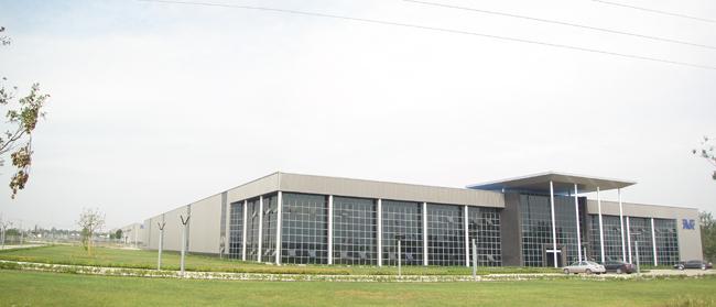 成都筑力钢结构工程有限公司专业设计、制作和安装各类钢结构工程、治安岗亭、警用岗亭、景区服务亭、收费亭、售货亭、书报亭、活动板房、移动公厕等业务,专业生产各类彩钢瓦、彩钢夹心板、瓦楞夹心板及各类H型钢,C、Z型钢檩条。   公司专注于各类钢结构厂房、岗亭和活动房的设计、制作和安装,深受广大客户的一致好评,我公司所制作和安装的产品质量优质、价格合理,欢迎选购。本公司承若所有产品一律保修两年,终生维护。